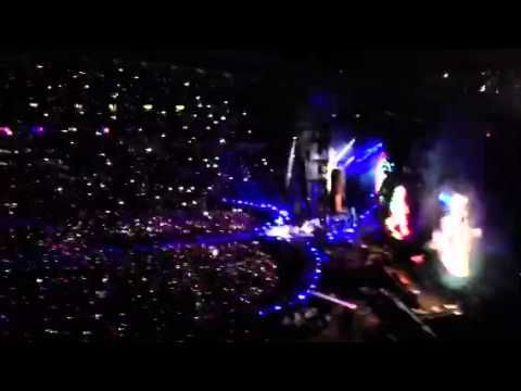 Hurts like heaven - Coldplay Sydney 2012