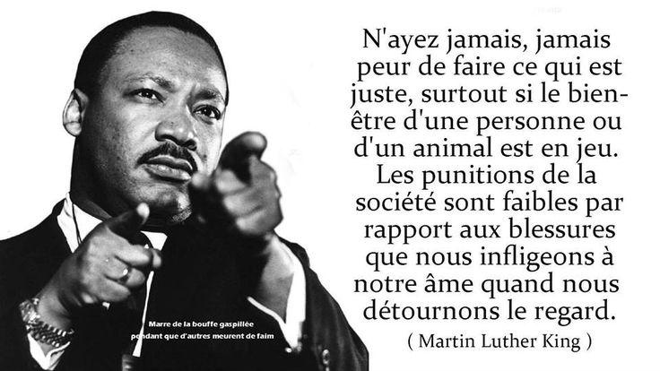 Martin Luther King, Jr. est un pasteur baptiste afro-américain, militant non-violent pour les droits civiques des Noirs aux États-Unis, pour la paix et contre la pauvreté, né à Atlanta (Géorgie) le 15 janvier 1929 et mort assassiné le 4 avril 1968 à Memphis (Tennessee).Lire la suite : http://fr.wikipedia.org/wiki/Martin_Luther_King