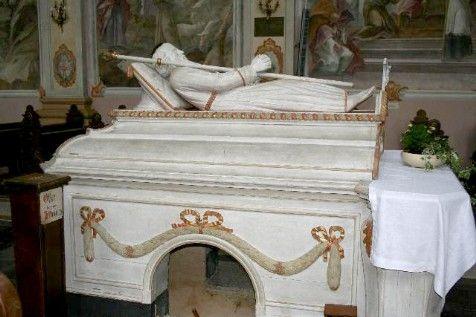 http://www.heiligehuizenvalkenburg.nl/images/Houthem-St-Gerlach-grafmonument-van-St.-Gerlachus.jpg