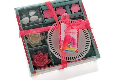 Lindo kit de velas, perfeito para dar aquele clima no ambiente. Dica: que tal escolher também um castiçal? Ótima opção para presente!