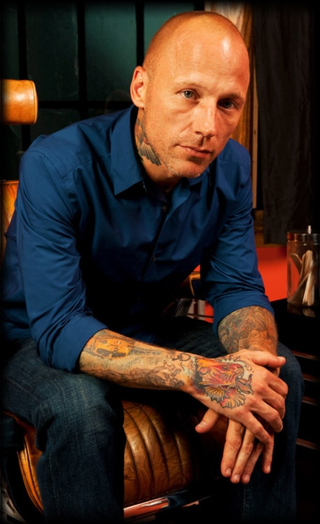 Tommy Helm ♥. I love Tommys tattoos, I think he's an amazing tattoo artist. I was upset when he didn't win, but hey, he's got his tv show Tattoo Nightmares =)