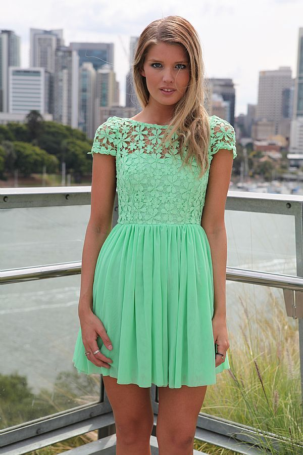 OBSSESED!: Pretty Dresses, Summer Dresses, Angel Dresses, Green Lace Dresses, Cute Dresses, Pretty Colors, Mint Green Dress, Mint Dresses, Green Dresses
