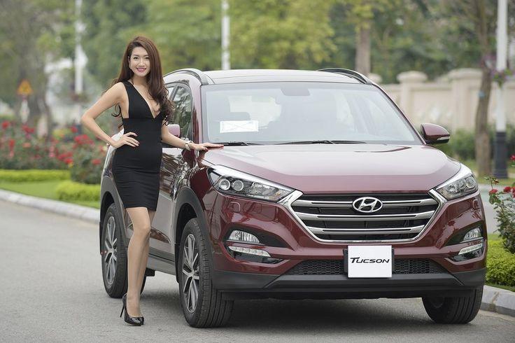 """Nhằm hỗ trợ người tiêu dùng có điều kiện nhanh chóng tiếp cận và lựa chọn sản phẩm, từ ngày 1/12/2016 cho đến hết 31/12/2016, Hyundai Thành Công thực hiện chương trình """"HYUNDAI NEW YEAR"""" dành cho 3 mẫu xe Hyundai SantaFe, Tucson và Elantra với quà tặng iP"""