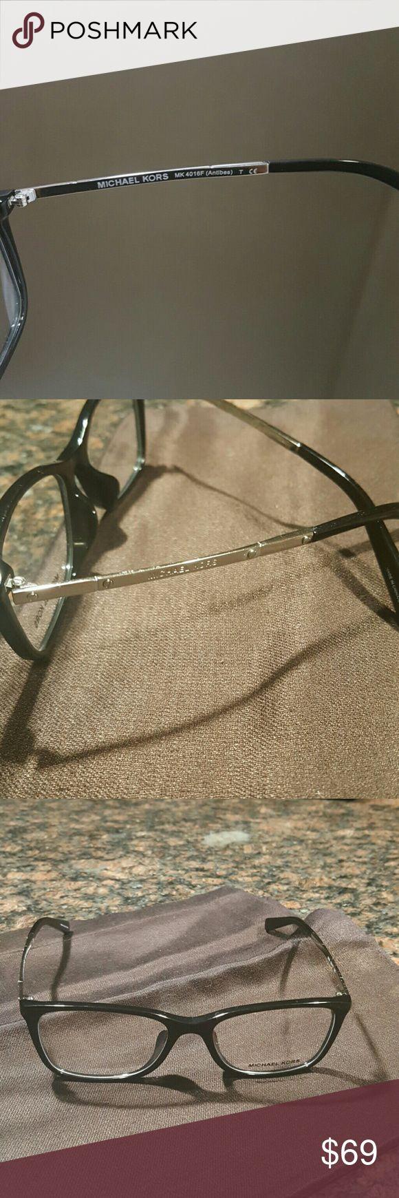 Michael Kors Optical Full Rim Rectangle Womens Sun plastic frame plastic lens non-polarized Lens width: 53 millimeters Lens height: 39.2 millimeters Bridge: 17 millimeters Arm: 140 millimeters Michael Kors Accessories Sunglasses
