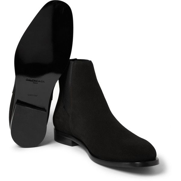 Balenciaga Suede Chelsea Boots (3.235 BRL) ❤ liked on Polyvore featuring men's fashion, men's shoes, men's boots, mens suede shoes, mens black chelsea boots, mens suede chelsea boots, mens suede boots and mens black suede shoes