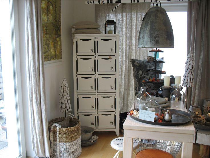 Besonderes in besonderer Atmosphäre!  Bei uns finden Sie ausgesuchte Einzelstücke von Antik bis Industriedesign, Schönes für Küche, Tisch und Tafel, Dekorationen für den Garten und viele Geschenkideen zum modernen Country-Style.