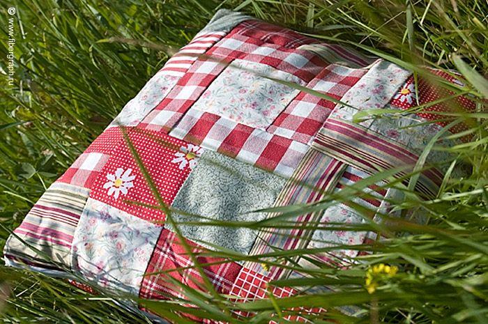 Здоровье своими руками: делаем подушку против храпа
