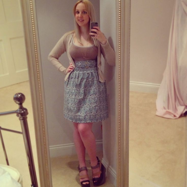 Ditsy pattern skirt on my old singer