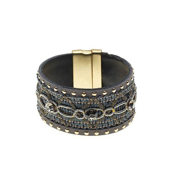 Stoffen armband  € 19,95  www.beau-perle.nl