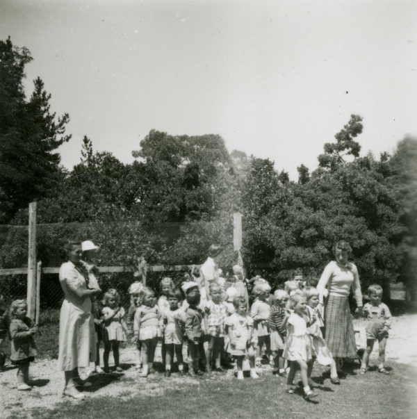 Kindergarten Block 15 [Bonegilla] [picture] , State Library of Victoria