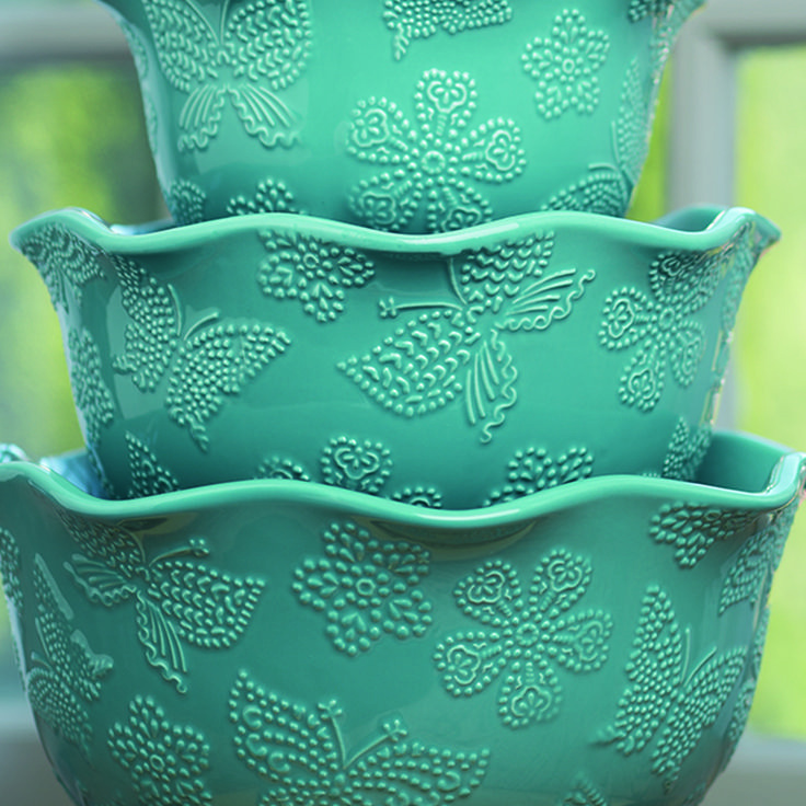 Teal Bowls - Tara at Home https://taraathome.com/kimkeyser