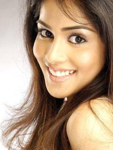 Genelia D'Souza [Bollywood]  Pretty girl