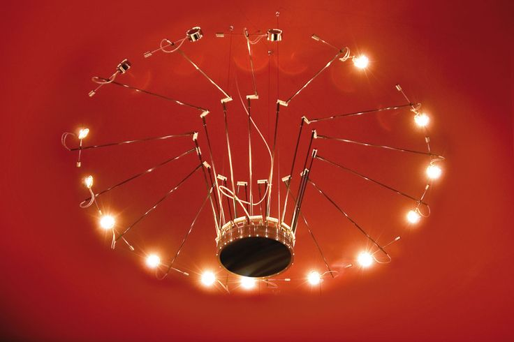 The Absolut Lighting CHANDALIER is Michael Rösings personal contribution to the renaissance of a truly noble species of lighting. Buy at https://www.radius-design.com/lamps/wallceilinglamps/chandelier/ #light #lamp #design