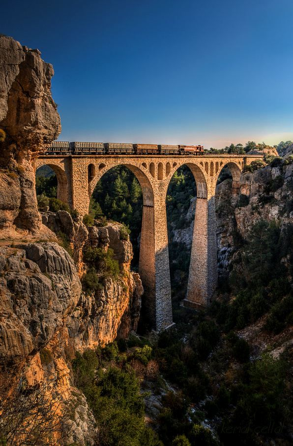 Varda Viaduct in Adana Province / Turkey (by mxfelix01).