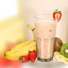 Leckere Buttermilch-Diät-Shakes: Buttermilch-Shake mit Erdbeeren und Banane - ideal zum Abnehmen