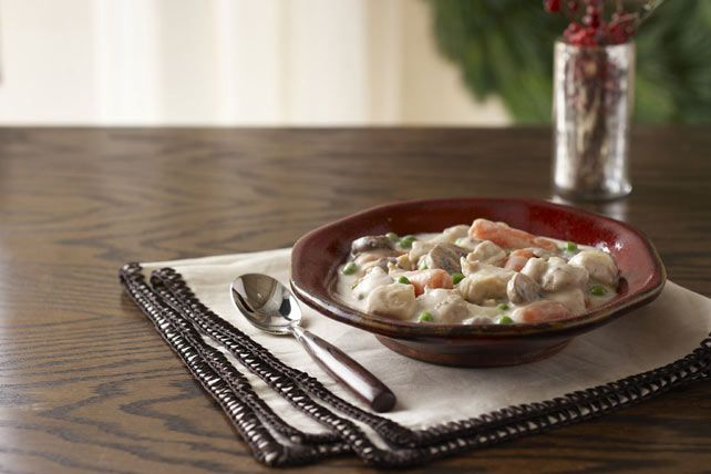 A crazy weekday calls for a soothing dish. Heartwarming chicken and veggies in a creamy chive and onion sauce has family fave written all over it.