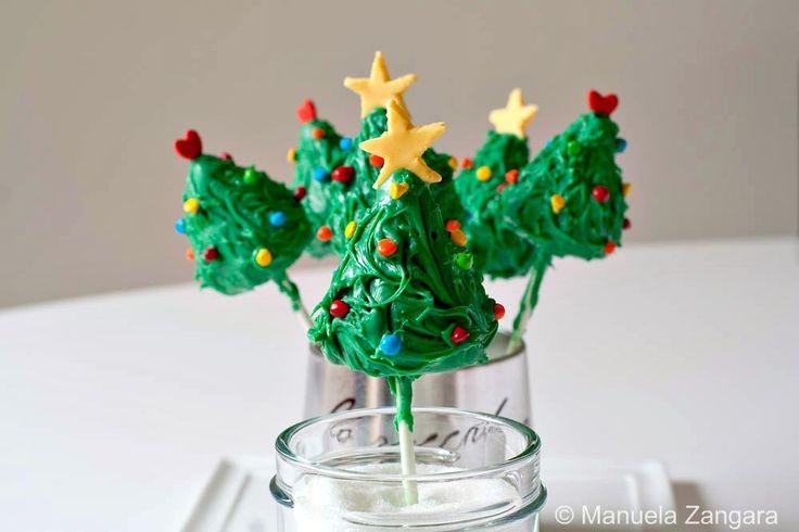 Cake pop christmas trees  Google Image Result for http://www.manusmenu.com/wp-content/uploads/2011/12/1-Christmas-Tree-Cake-Pops-1-1-of-1.jpg