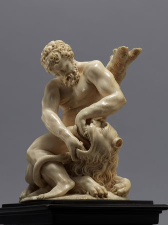 Balthasar Grießmann (1620–1706), Hercules and the Nemean Lion, ca. 1670/75 Ivory, height 26,5 cm. - Kunsthistorisches Museum Wien-