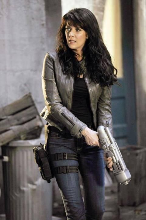 Helen and a gun.... we all know what's gonna happen :D