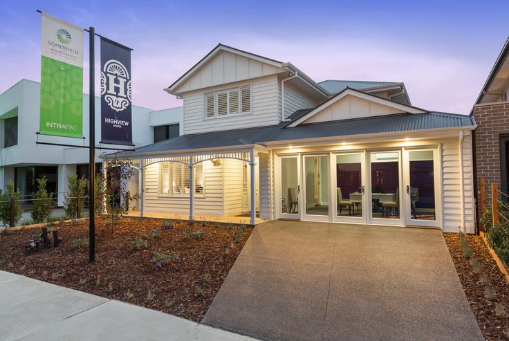 NEW DISPLAY NOW OPEN at 9 Olive Tree Dr Keysborough Victoria 12 noon to 5 pm Saturday to Thursday. The Hampton 265 is a large family home with the relaxed feel of a Seaside holiday residence. Boasting 5 bedrooms, 2 separate living areas, Alfresco, Theater room, and much more.