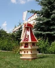 Sie suchen eine richtig große Windmühle? Dann ist unsere XXL Windmühle aus qualitativ hochwertigem massiven Fichtenholz genau das richtige. Ihre schöne Form mit den vielen kleinen Extras macht Sie zu einem Highlight in Ihrem Garten. Diese 3-stöckige Windmühle als Gartendekoration überzeugt zusätzlich durch Ihre bereits eingebaute Solarbeleuchtung im Inneren der Mühle sowie den 3 Dachgauben. Am hinteren Ende des Windmühlenkopfes ist ein Windrad angebracht welches das drehen in den Wind…
