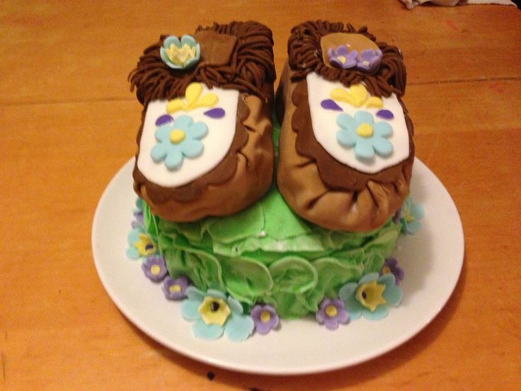 Moccassin cake