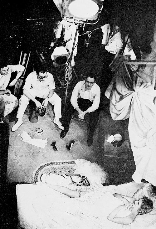 Rouben Mamoulian, Fredric March, Miriam Hopkins and crew on the set of Dr. Jekyll and Mr. Hyde, 1931