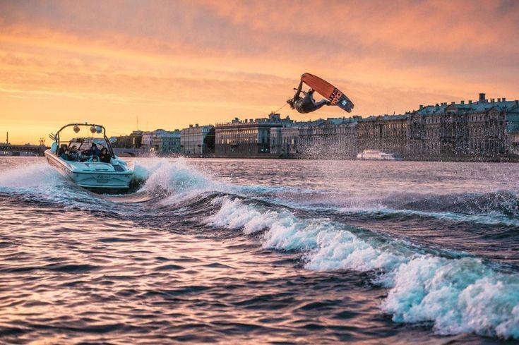 Мосты развели: вейкбординг на Неве — Российское фото