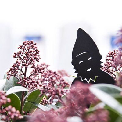 www.fleursaubalcon.com Un nain de jardinière. Accessoire pour balconnière pour égayer le balcon !