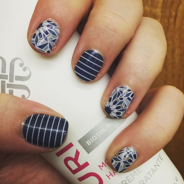 Tried out Jamberry's new TruShine Gel layered over my Fractal and August Stylebox Exclusive wraps last night and it's AWESOME! Now my nails feel extra durable and my wraps are protected now more than ever! #jamberry #fractaljn #styleboxjn #trushinejn #jamberryconsultant