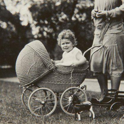 Принцесса Лилибет: редкие детские фотографии Елизаветы II