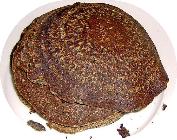 Pfannkuchen aus schwarzen Belugalinsen