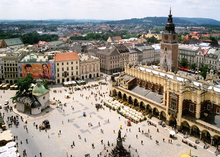 #Krakow is the second largest and one of the oldest cities in #Poland, is famous as the #city of #dragon and the hometown of Pope John Paul II. Discover Krakow in the article at http://one-europe.info/krakow-a-city-of-hope