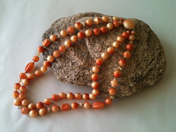 Vintage Bead Necklace by RetroJunction on Etsy, $15.00