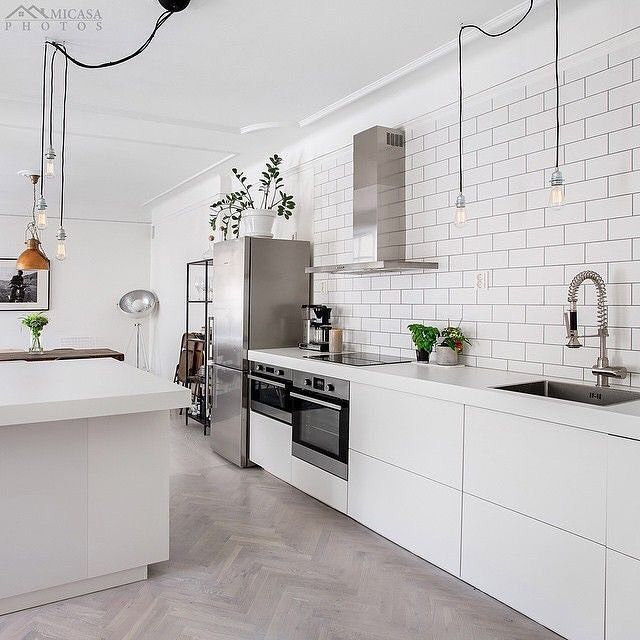 I like this kitchen, would you call it industrial Scandi? I'm not sure but it works | credit @clearcutfactory for @husmanhagberg_stockholm