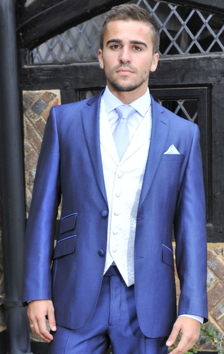 Electric blue lounge suit @williamyoung187