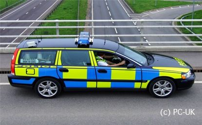 Cambridgeshire Constabulary Volvo V70 T5 performs VASCAR speed enforcement