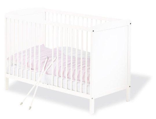 Schlichtes Kinderbett in Weiß – passt in jedes Kinderzimmer.