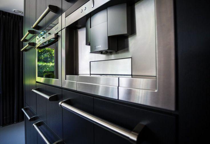 Maatwerk houten keuken Drachten met Neff apparatuur