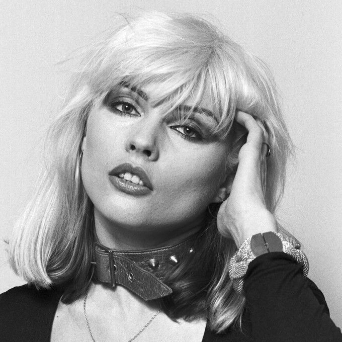 """Deborah Ann """"Debbie"""" Harry (1945) - American singer-songwriter and actress, best known as the lead singer of the new wave and punk rock band Blondie. Photo by Lynn Goldsmith, 1977"""