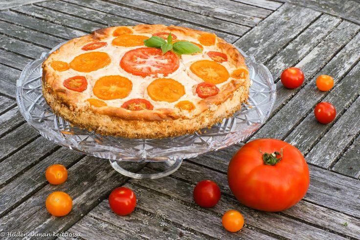 Hiidenuhman keittiössä: Paahteinen tomaattijuustokakku