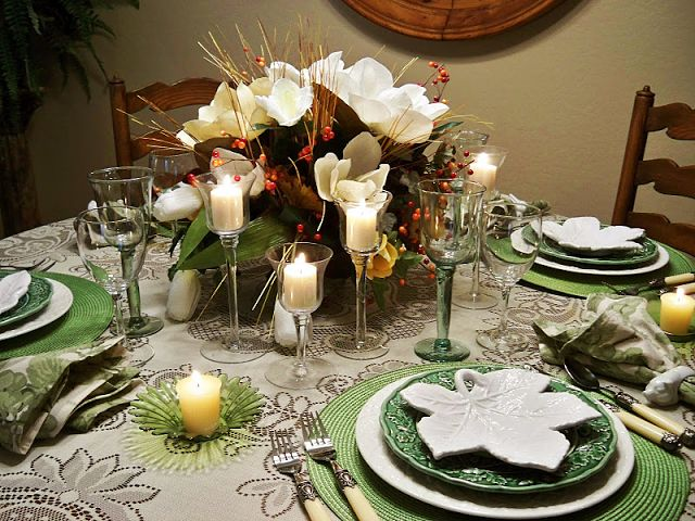 17 best images about beautiful place settings on pinterest for How to set a round table for thanksgiving