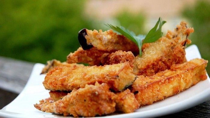 Už jste se projedli tradičních bramborových hranolek? Trendové jsou nyní zeleninové hranolky, například z balkažánu, z cukety nebo z kedlubny.