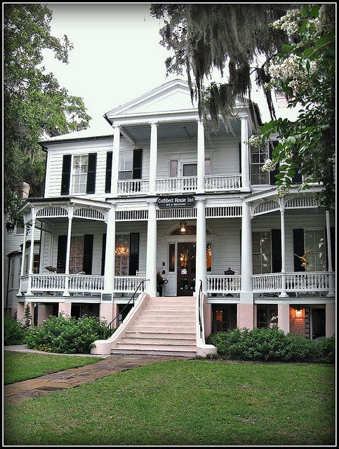 Cuthbert House Inn, Beaufort    Built ca 1790, this wonderful home graces the Beaufort SC waterfront.