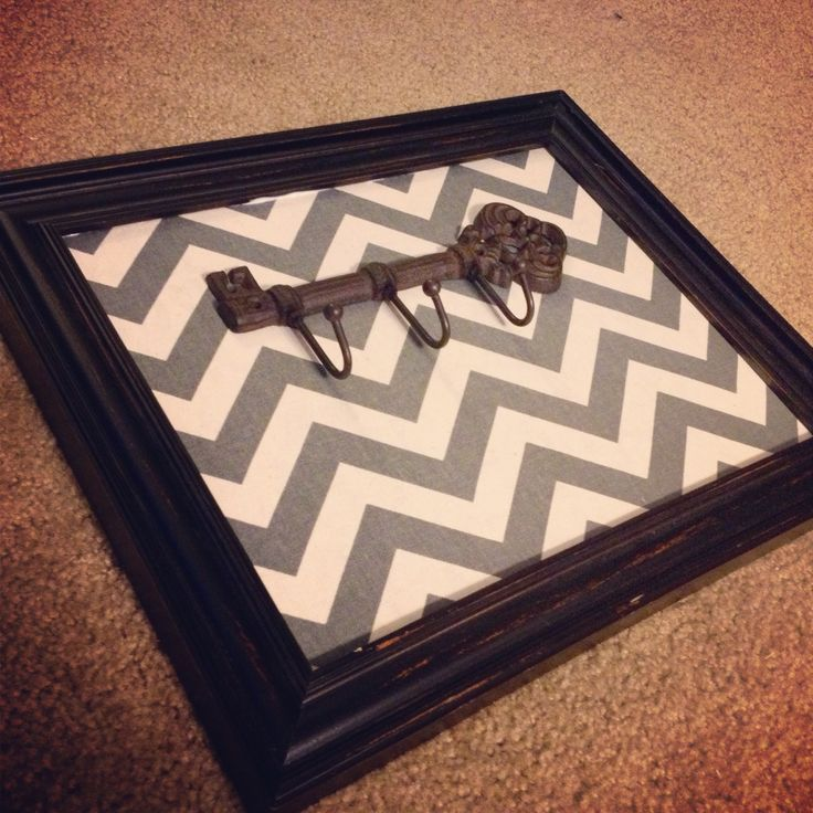 The key rack I recently made, I'M IN LOVE WITH IT!! Such an easy DIY!! :)