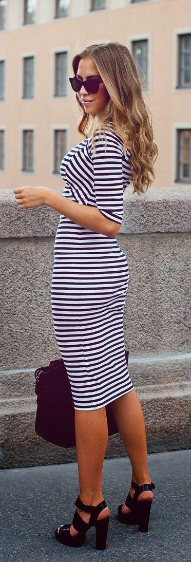 Scoop Neck Strip Backless Half Sleeve Dress