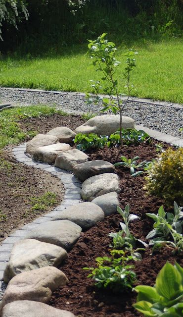 25 best ideas about stone edging on pinterest landscape for Alternative garden edging