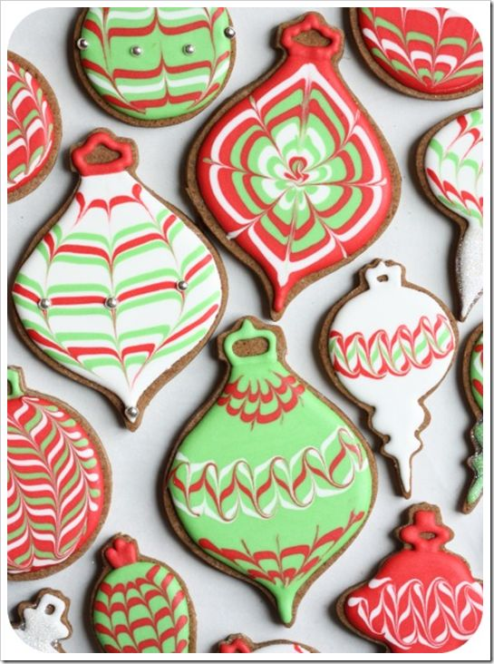 Great example of the royal icing flooding technique we include in our cookie decorating classes!