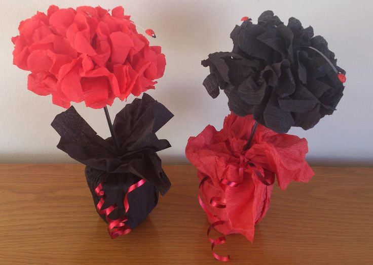 "Ladybug  crepe paper flower Centrepieces with ""flying"" Ladybugs"