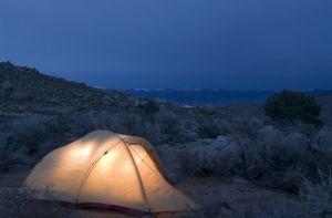 Vegan camping tips: Do Travel Camping, Food Vegan Plant Based, Based Camping, Camping Foods, Camping Vegan Food, Camping Hiking Travel, Vegan Camping Food, Camping Hiking Food, Plant Based Diet